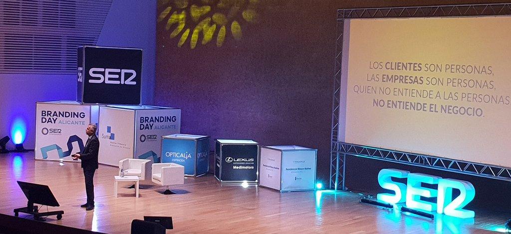 Andy Stalman en el escenario del Branding Day